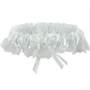 Lovely NIP White Satin and Lace Garter Pearl Heart